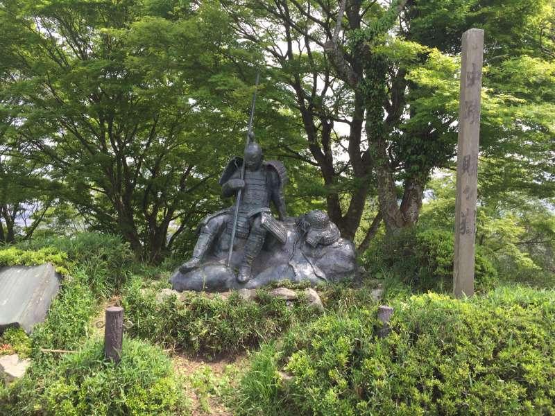 [May] A Statue of Surviving Feudal Warlord, at the Summit of Shizugatake