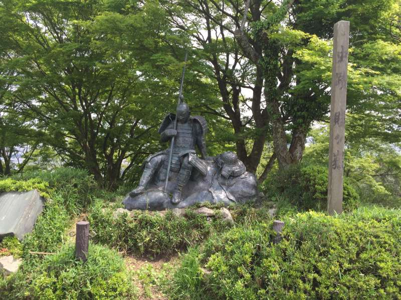 [May] A Statue of Surviving Feudal Warlord, at the Summit of Shizugatake