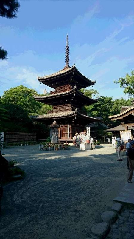 The three-story pagoda with fine proportion. This was built in 1318 with no nails used.
