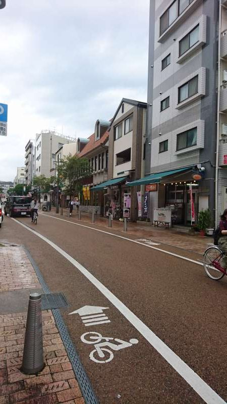 Again to the foot of the hill. So-called Ropeway Street continues north to south lined with a lot of shops selling Ehime specialities. Restaurants also are found here.