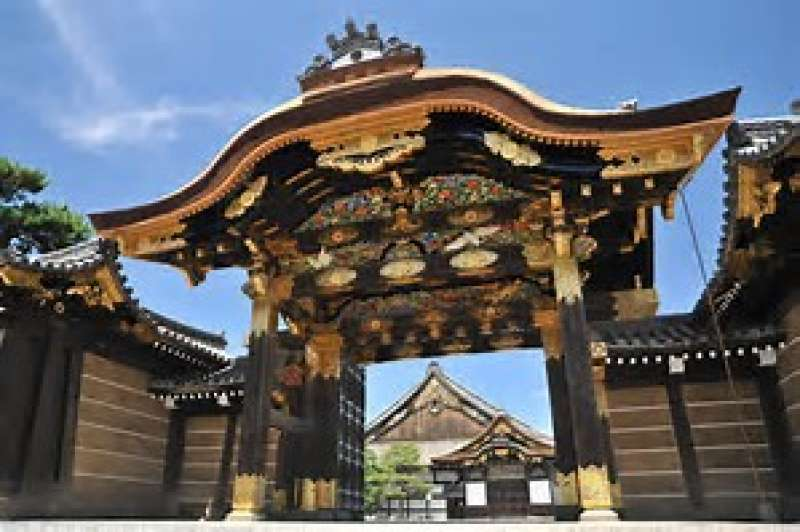 the main gate of the Ninomaru Palace built in 1625