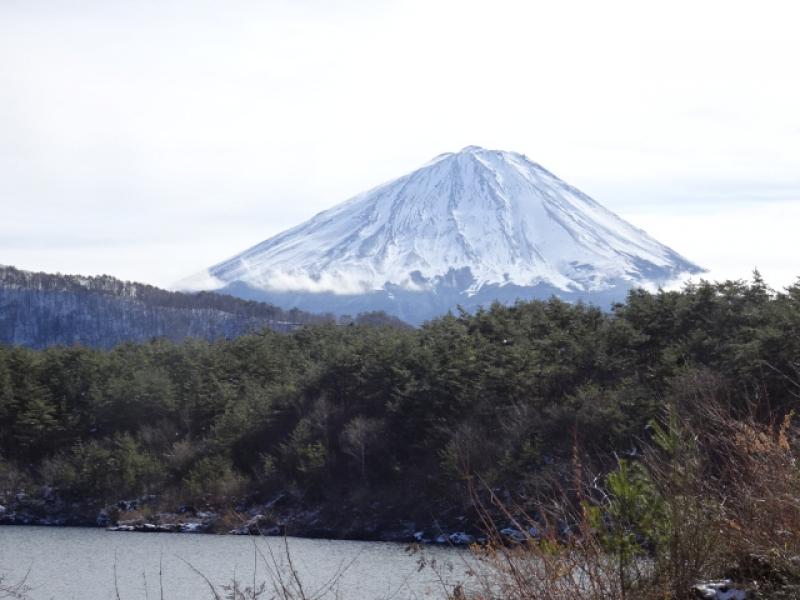Mount Fuji from Lake Saiko (Dec. 24, 2019)