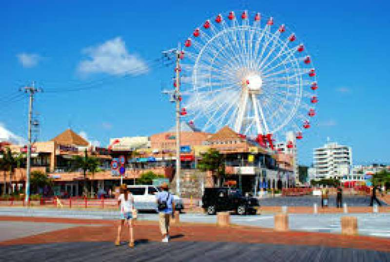 The Mihama American village in Chatan town is a large entertainment complex. The most recognizable feature is the large Ferris Wheel. There are a lot of fashion shops, restaurants, ice cream shops.