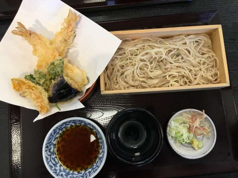 Hakone's specialty, buckwheat noodles with tempura