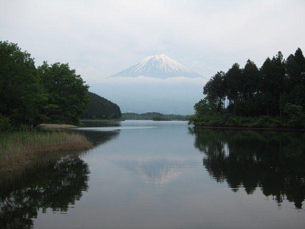 Lake Tanuki, famous for the reflection of Mt. Fuji