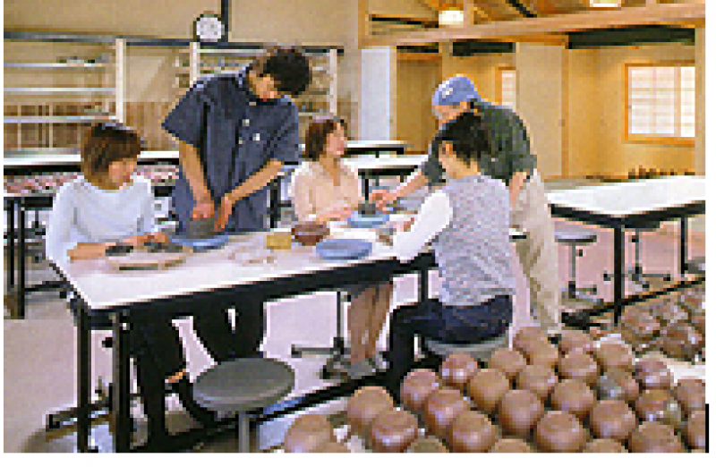 You can make your own Bizen Ware by yourself.