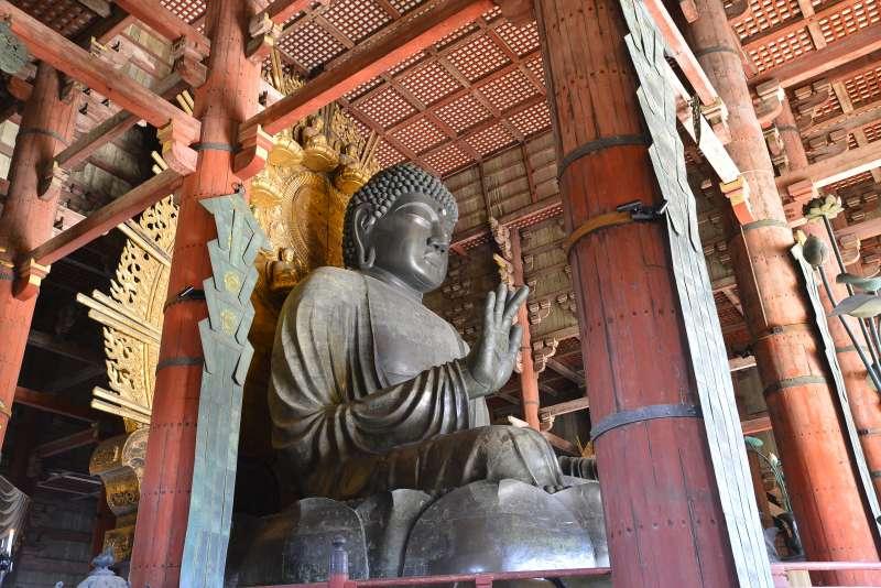 Big Buddha (Photo by Planetyze)