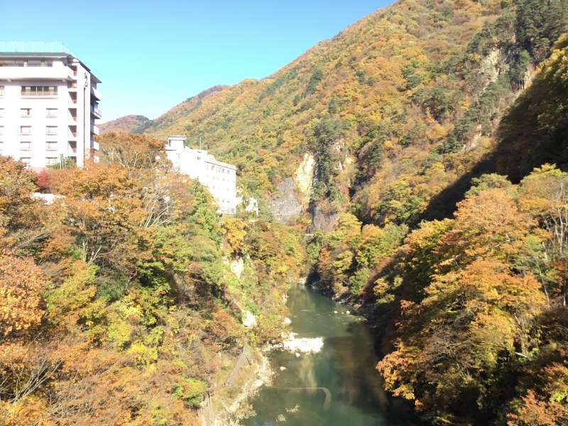 Oigamionsen to heal your fatigue of the walking tour finished and to enjoy the traditional hot spring with the calm and spacious view.
