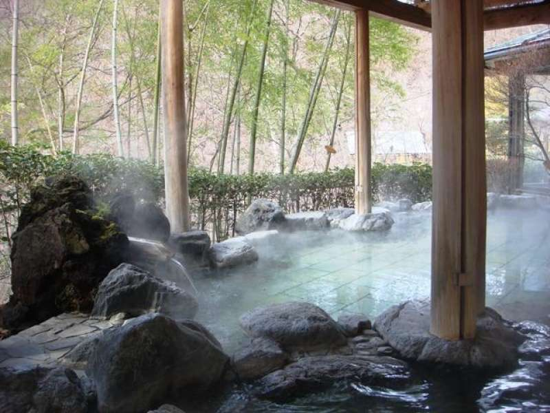 The spring quality of Oigamionsen is sulfur spring with alkaline and the effects is to heal the muscular pain, arthralgia and skin disease.