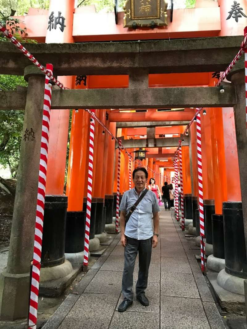 Fushimi inari boosts of tens of thousand vermilion torii gates.  American movie, Geisha, a girl named SAYURI, was filmed.