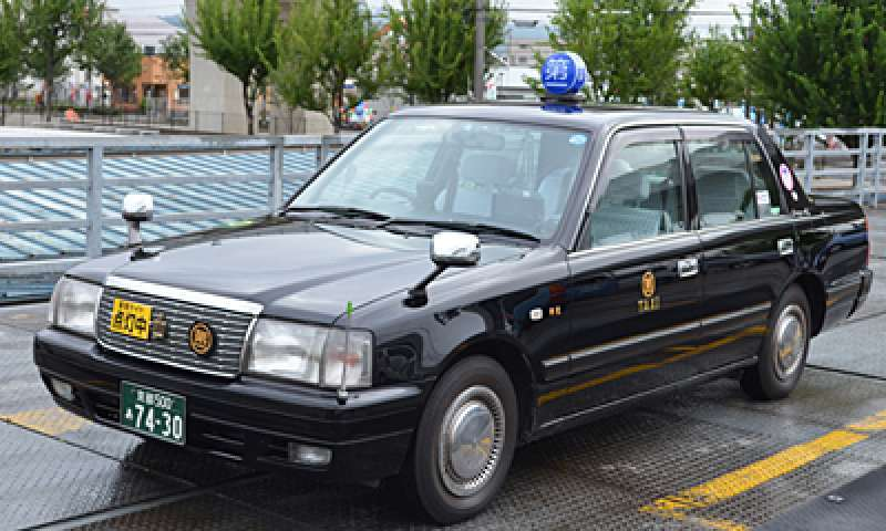 5-seater car