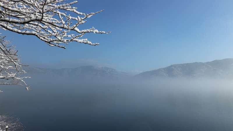 Lake Yogo in the Foggy Morning (余吴湖在有雾的早晨) [1 of 4]