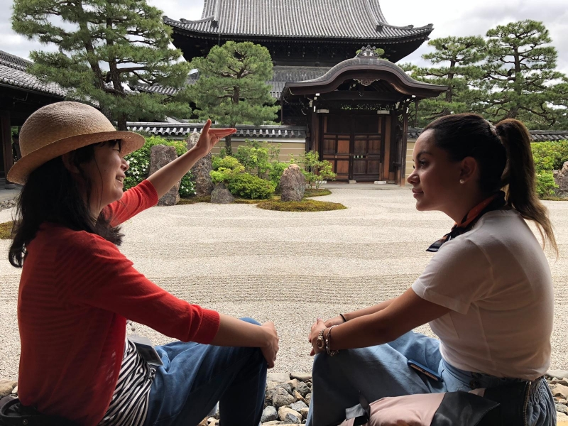 I am also certified guide. I will tell you the connection of Zen philosophy and calligraphy.