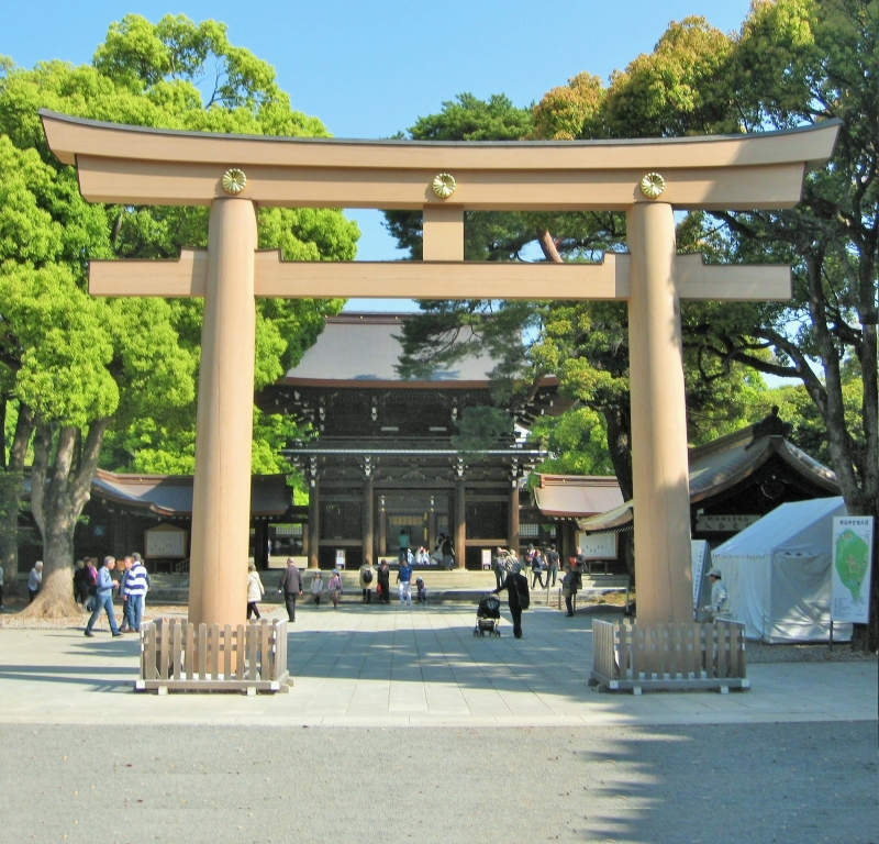 Meiji Jingu - Shinto shrine: Torii gate to the main shrine building area