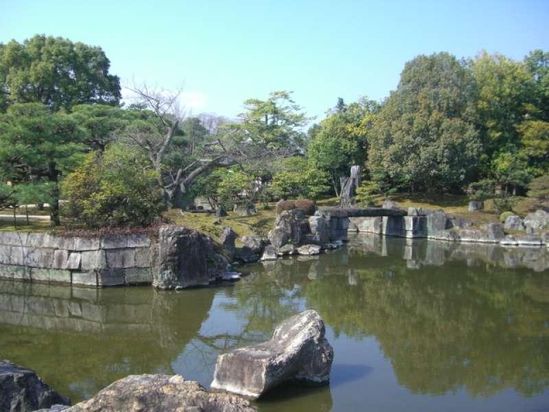 The garden of Nijo castle.