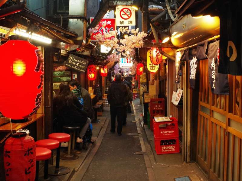 Bar-hop to Hidden izakaya in Shinjuku