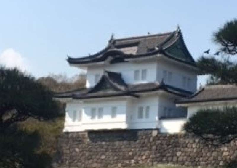 This is Tatumi Yagura, or watchtower built in the Edo period.  There used to be 19 Yaguras in Edo Castle but now only three Yagura remain.