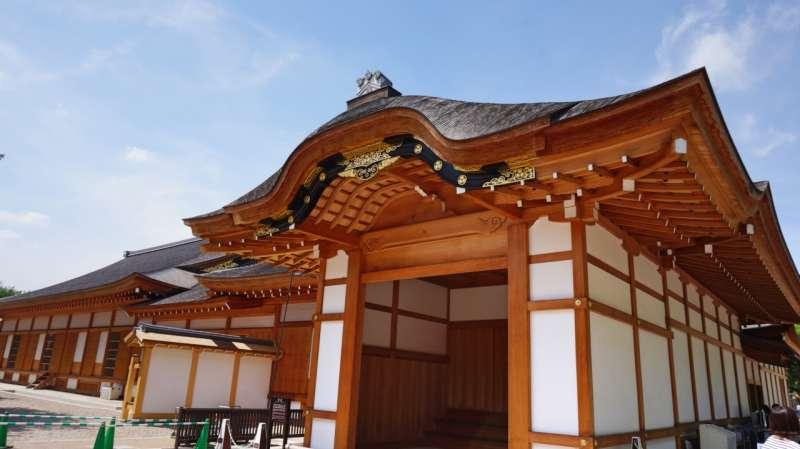 The front porch of living quarter of Nagoya castle