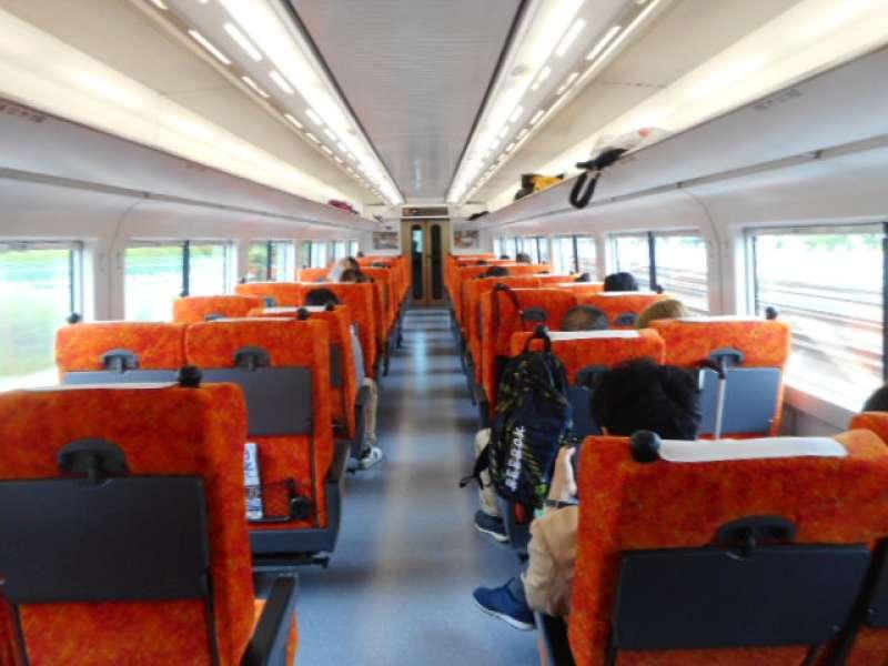 JR-Tobu Express is very comfortable (6680 yen round trip from JR Shinjuku/Ikebukuro)