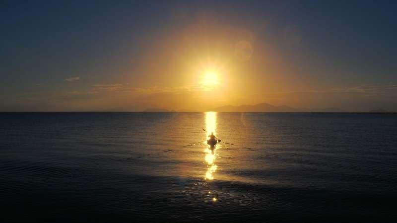 Kayak in the sunrise