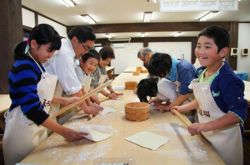 Children enjoy HOTO making