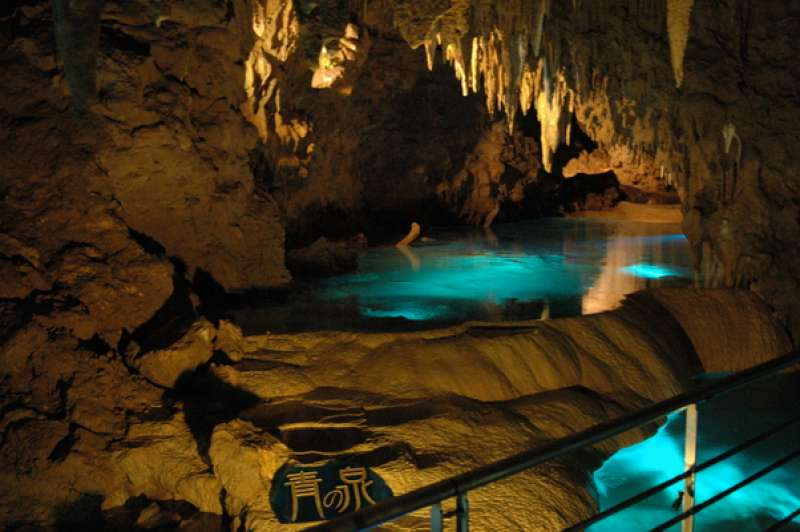 ★NANATSUGAMA Cave ・SAIKAI city Lime-stone cave, 250m of 1500m is open to the public, registered with the natural monument of Japan.