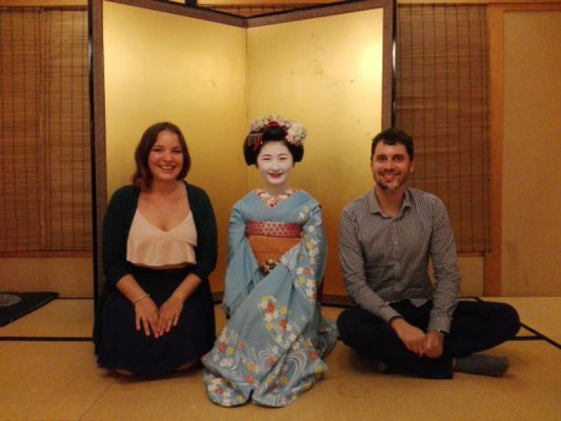 Of course you can take so many photos with maiko as you want .. ! It would be the best memory for you !