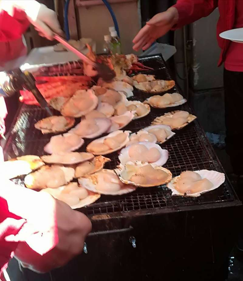 Nice smell of grilled scallops.