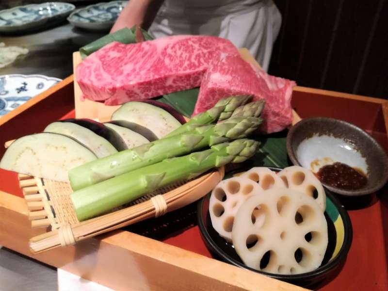 Let's have a wonderful Japanese dinner together :)