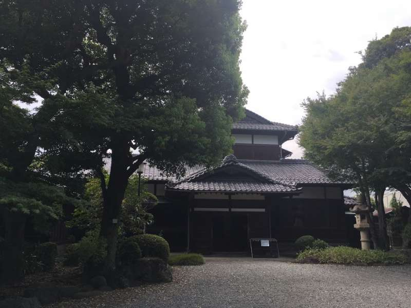 Authentic old Japanese house with strolling type of Japanese garden.