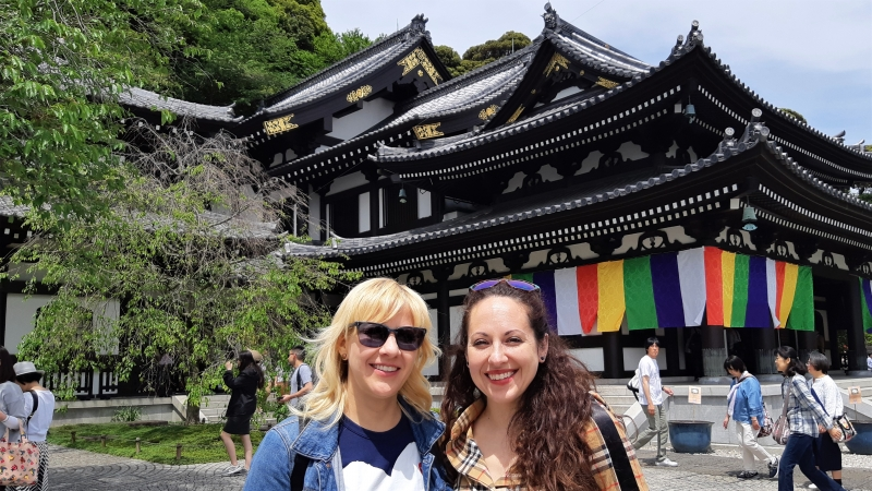 Everything is beautiful in Hasedera, even the roofs- Oh, of course you both are:)