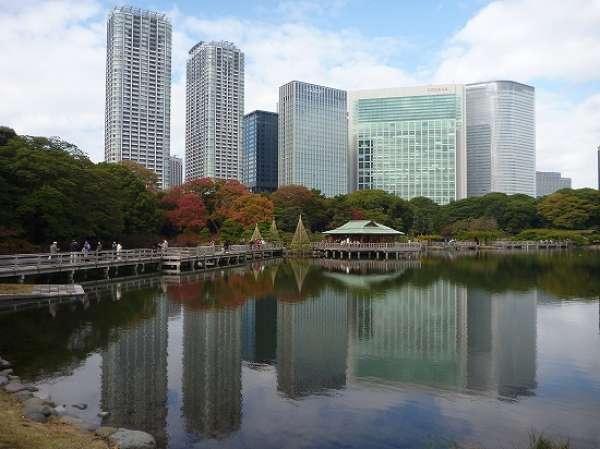 Hamarikyu garden - Lovely Japanese garden to walk around.