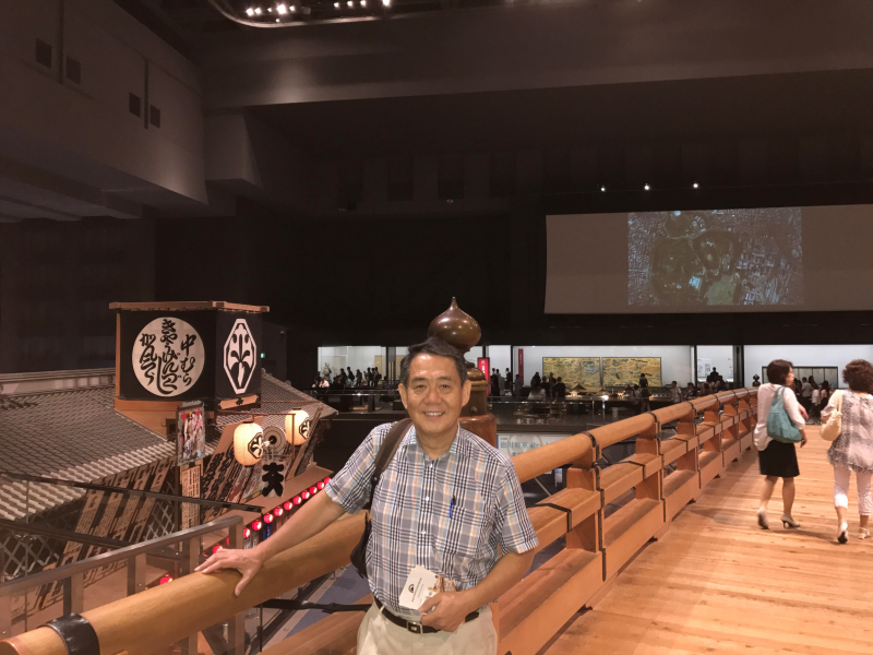 This is me (Tom) at Edo Tokyo Museum to show you the city's diverse history