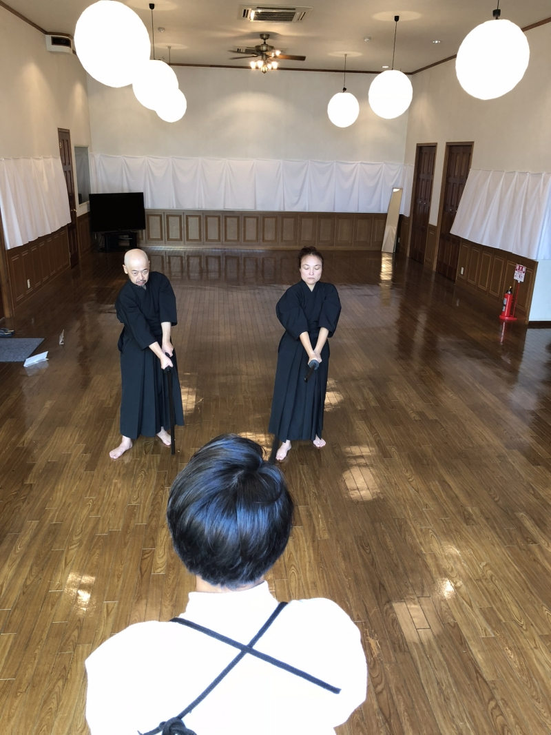 To learn techniques of swordsmanship.