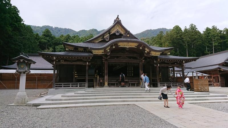 Main worship hall of Yahiko Shrine