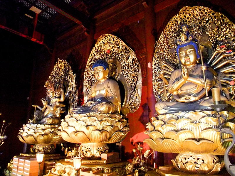 Rinno-Ji Temple (The main hall with Big golden statues of Amida-Nyorai, Batto-Kannon, and Senju-Kannon)