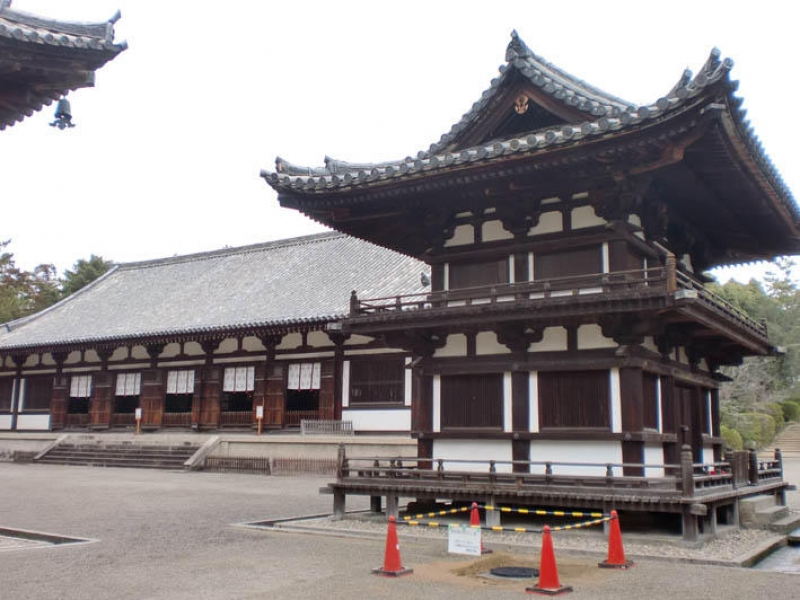 In Toshodaiji temple, several architectures remained as the figure from Nara era