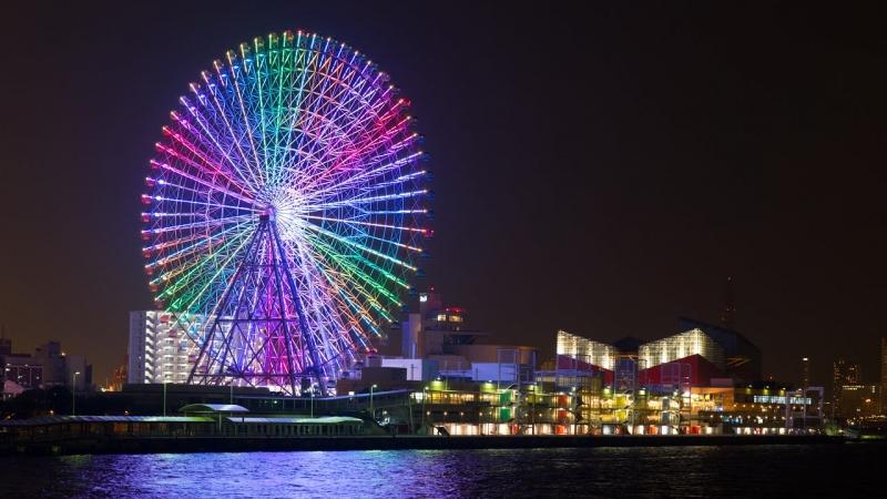 112m height ferris wheel just close to the Osaka aquarium.