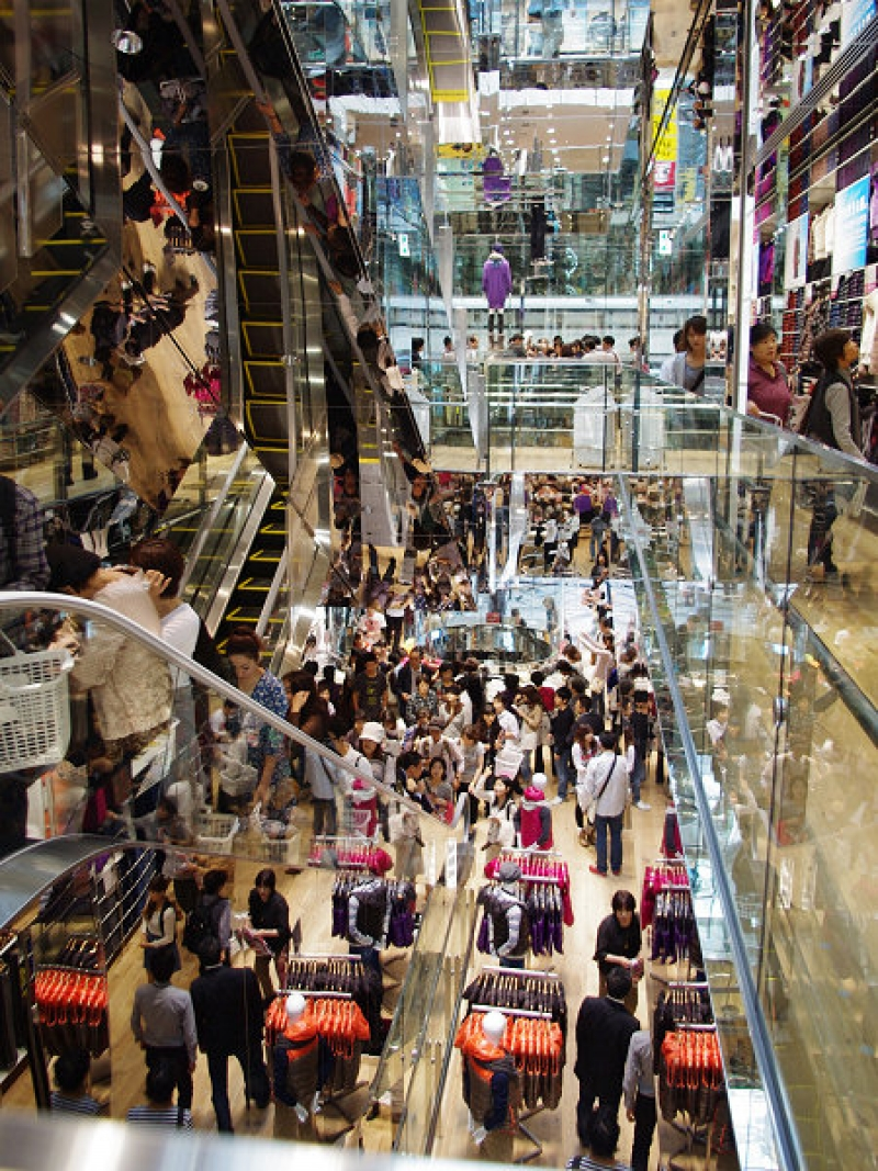 UNIQLO in osaka is the 5th largest in the world!