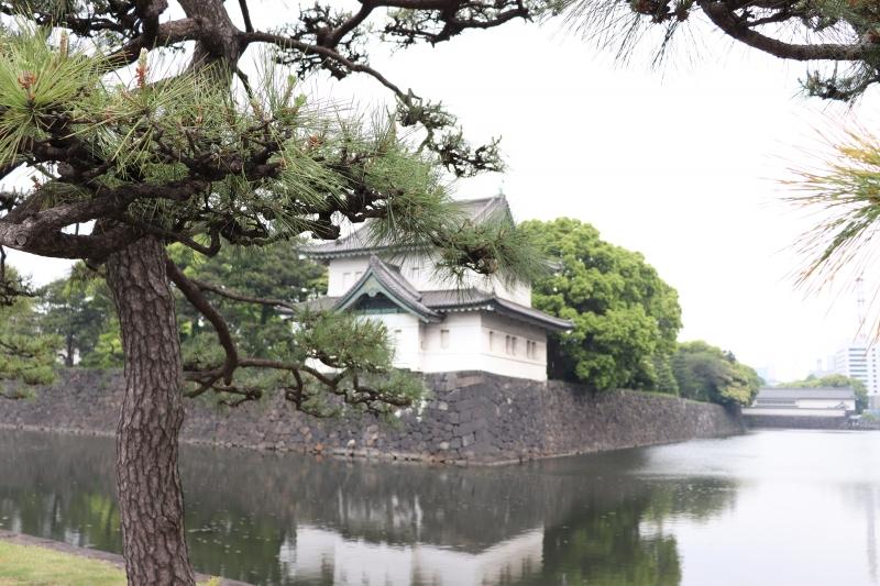 4 Tatsumi yagura and moats in Imperial Palace