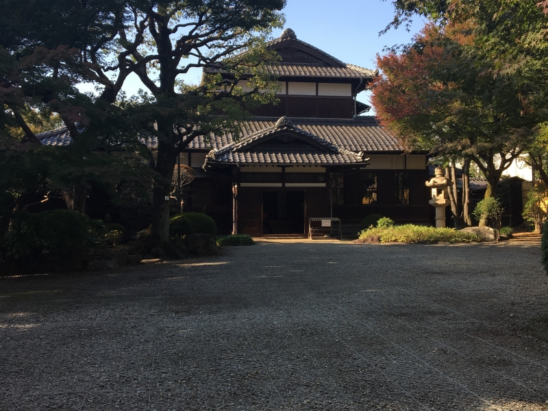 The old Asakura house is an important cultural asset, which was a house of a former chairman of Tokyo Assembly. Built in the early 19th century, its building and the garden are beautiful and worth visiting.