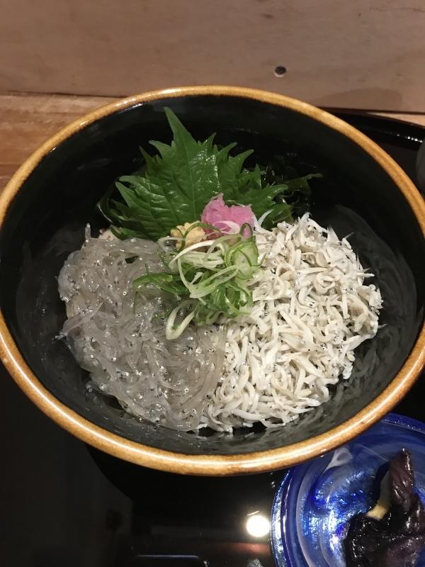 ☆Shirasu don lunch at Komachidori street ☆ Shirasu ( tiny sardine fish) is the speciality of Kamakura.
