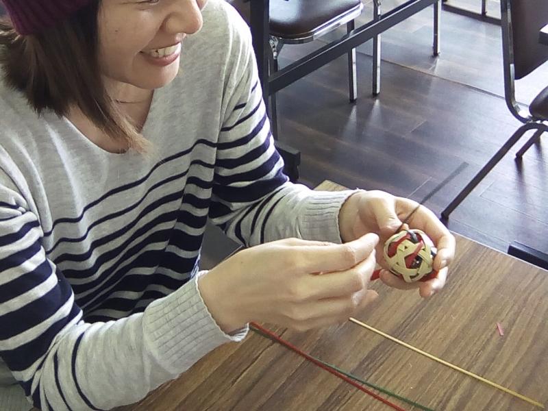 Make yourself a bamboo craft for souvenir.