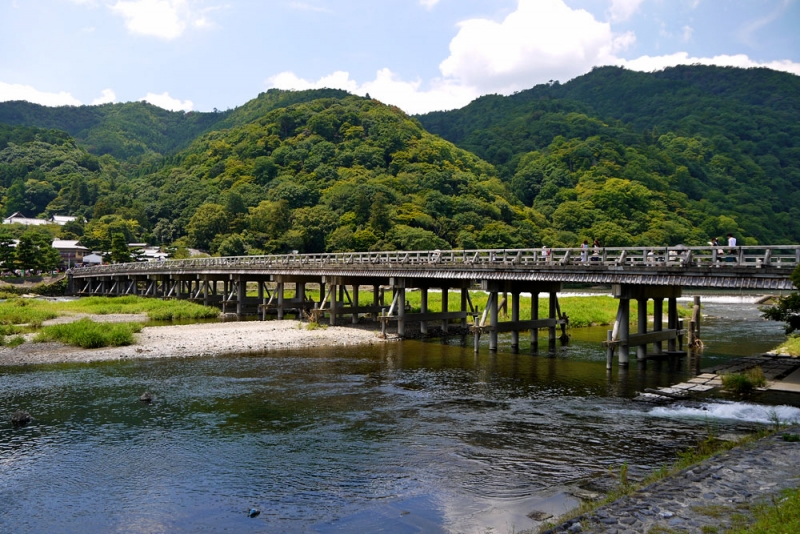 Togetsu bridge means the moon crossesover the bridge.