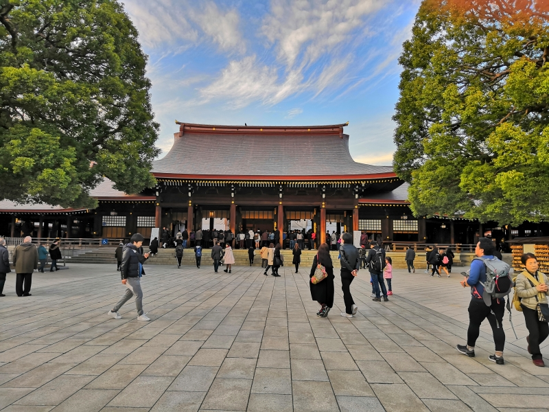 Meiji Jingu Shrine is a peaceful and quiet place being enshrined Emperor Meiji and his consort, Empress Shoken.