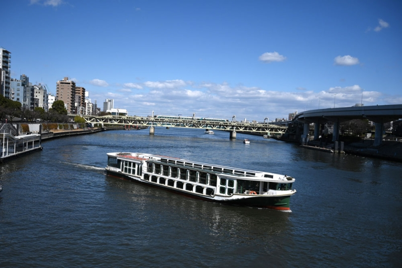 Sumida boat cruise is always my favorite. From Asakusa, take a boat to Hamarikyu garden or Odaiba. Relaxing!