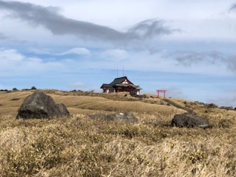 Hakone Motomiya Shrine on top of Mt. Komagatake