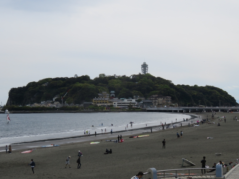 Enoshima Island (There are a lighthouse-like observatory, many souvenir shops and restaurants)