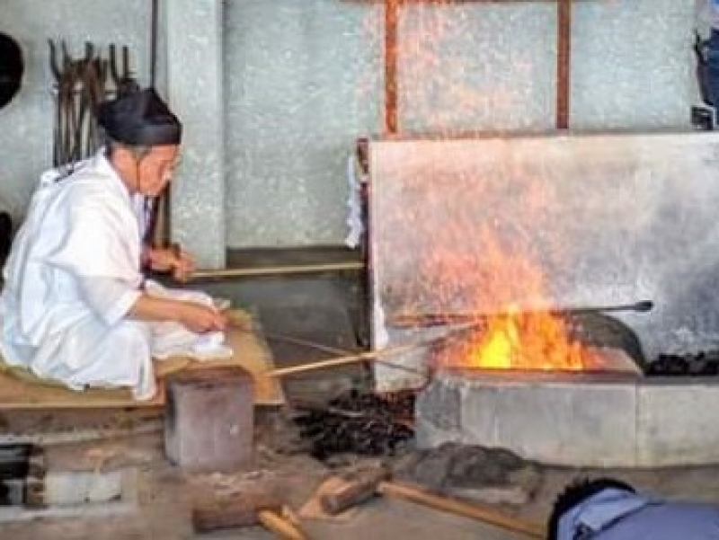 A demo shows forging at Seki Traditional Sword Museum. (for strengthening, flexibility, elegant perfection, etc.)
