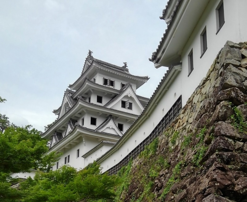 Hachiman Castle and stone wall, it has a beautiful curve
